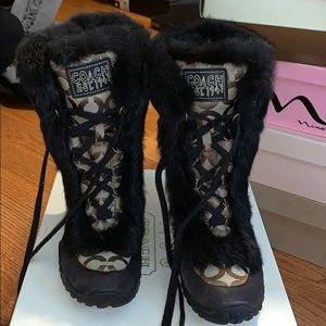 Coach size 8 Snow Boots with Real Rabbit Fur Trim